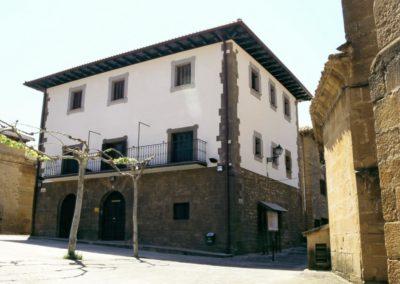 Fachada del Ayuntamiento. ESTEBAN SALINAS (Barasoain)